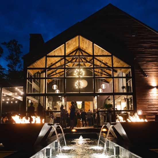 Sapphire Creek Winery & Gardens