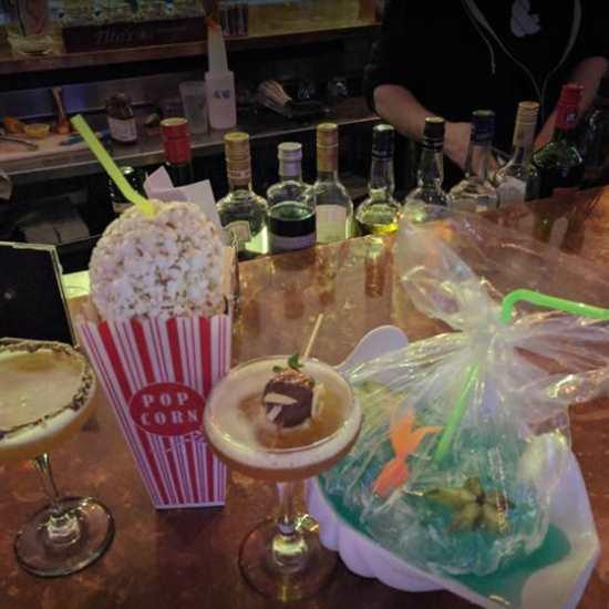 2nd & High Poke House + Bar