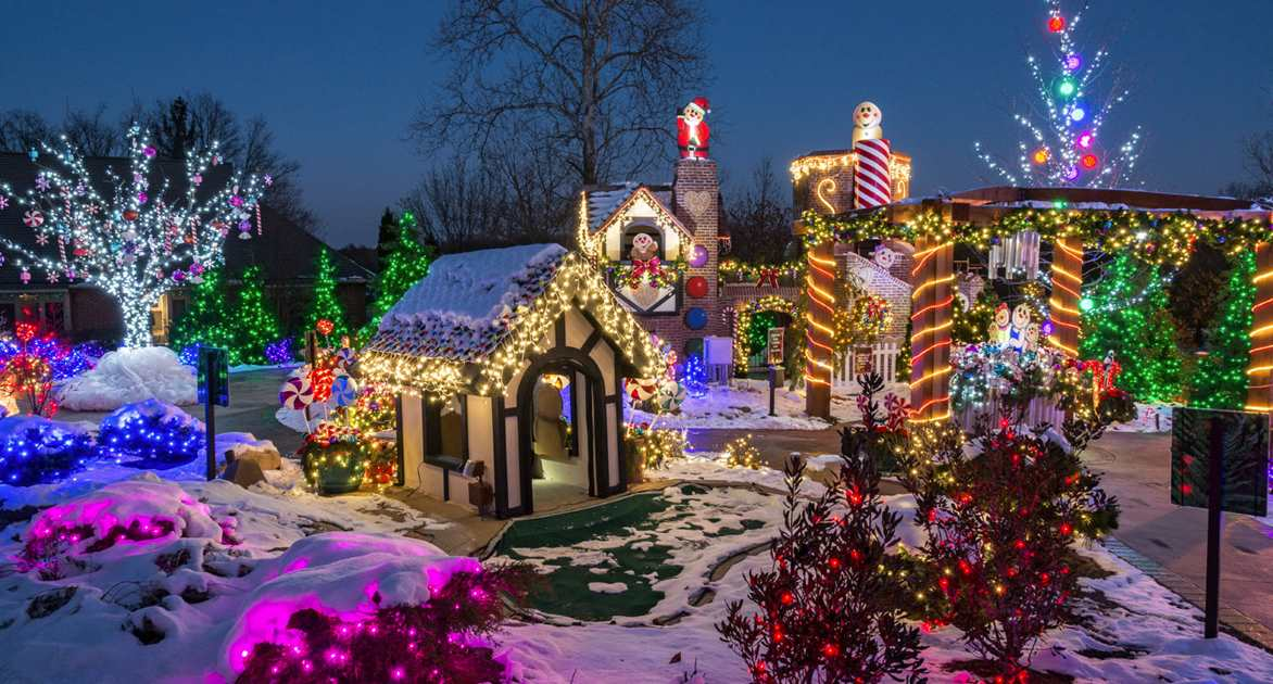 Stan Hywet Christmas 2020 Deck the Hall | Stan Hywet Hall & Gardens | Cleveland, OH | This