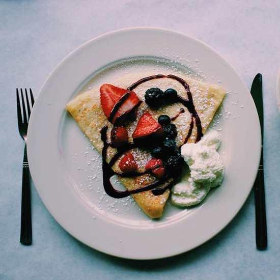 Le Petit Triangle Café