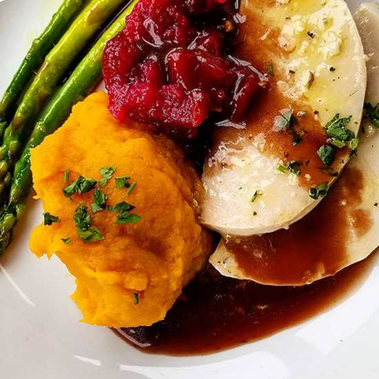 8 Places to Grab Thanksgiving Dinner To-Go in CLE