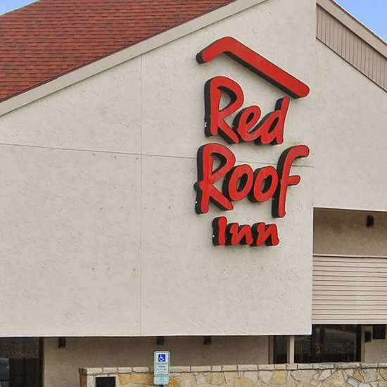 Red Roof Inn (Cleveland/East)