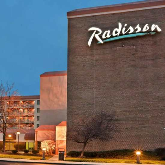 Radisson Hotel (Cleveland Airport West)