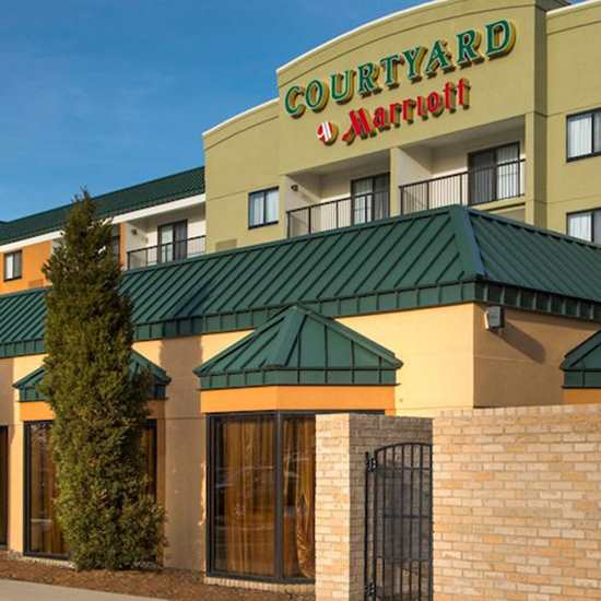 Courtyard by Marriott (Beachwood)