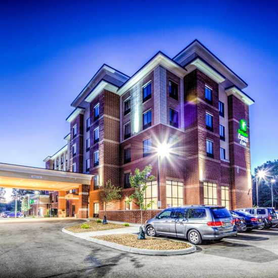 Holiday Inn Express & Suites (Westlake)